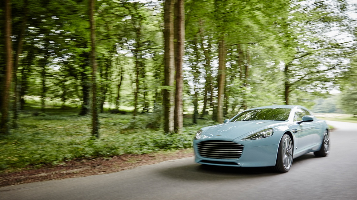 Hackett-x-Aston-Martin-Q-Nick-Tydeman-Photography-34 17072438  3cd0e3b7ac6