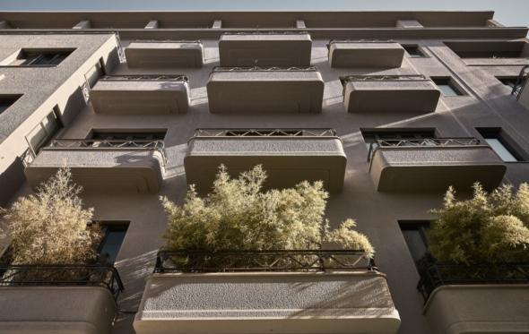 Perianth hotel: Ένα από τα ομορφότερα κτίρια του κέντρου ανεβάζει -κι άλλο!- την πλατεία Αγ. Ειρήνης
