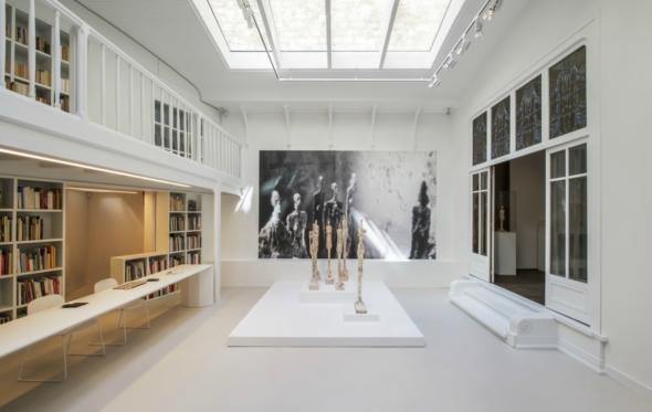 Τα έργα του Giacometti βρίσκουν στέγη σε ένα μουσείο – κοσμηματοθήκη σουρεαλιστικής ομορφιάς