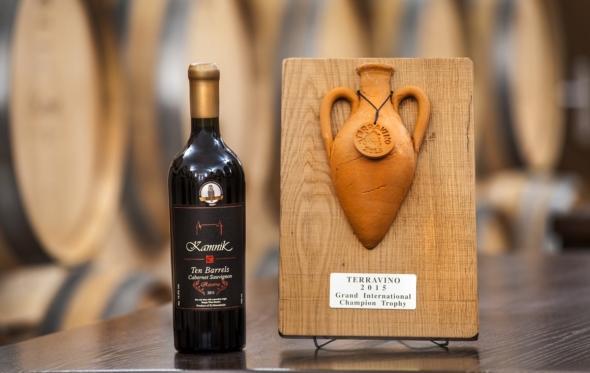 Μακεδονικό ζήτημα και στο κρασί. Μάλιστα, ο αμπελώνας των «βορείων» είναι εξαιρετικός…