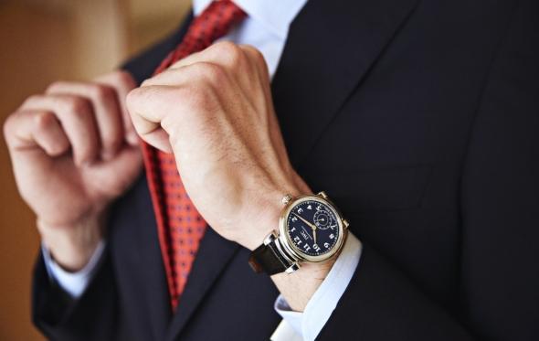 Το «σπρετζατουράτο» δέσιμο της γραβάτας που καταργεί το μπρος-πίσω