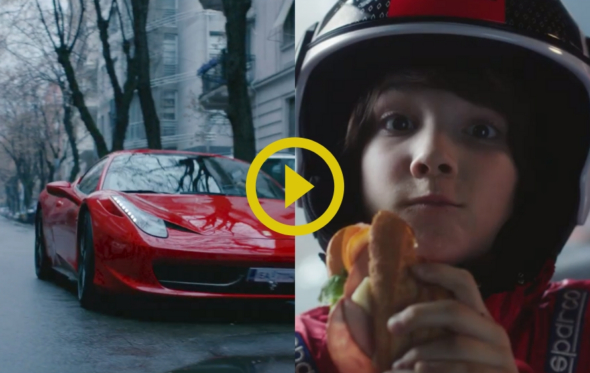 Δυο χωρισμένοι γονείς, μια κατακόκκινη Ferrari και ένα σάντουιτς