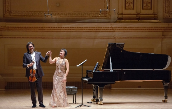 Παρακολουθήσαμε το καθηλωτικό δίδυμο Καβάκου-Wang στο Carnegie Hall