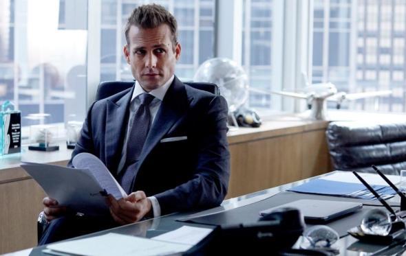 Πειράζει που ο Harvey Specter είναι λίγο κάγκουρας;
