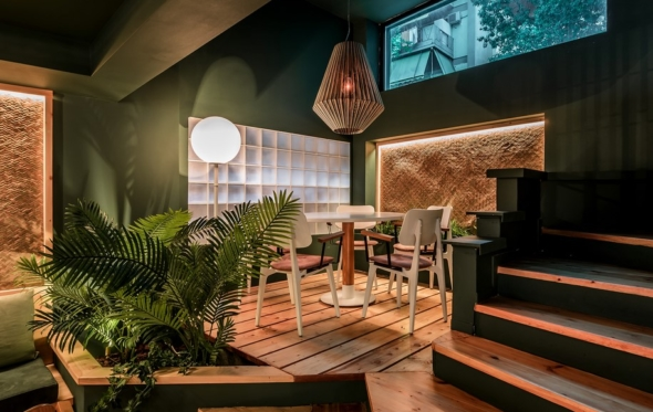 Milk Bar Cafe: ένα ιδιαίτερο all-day στέκι που θυμίζει σουρεαλιστικό κήπο