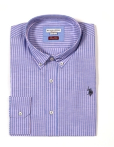 02c8537e433 Το λινό πουκάμισο με τα κουμπάκια στο γιακά που πρέπει να έχεις για ...