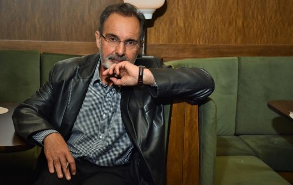 Μάνος Στεφανίδης: «Η Ελλάδα θυμίζει στρίπερ: Όποιος θέλει βάζει λεφτά στο βρακάκι της και απλώνει χέρι»
