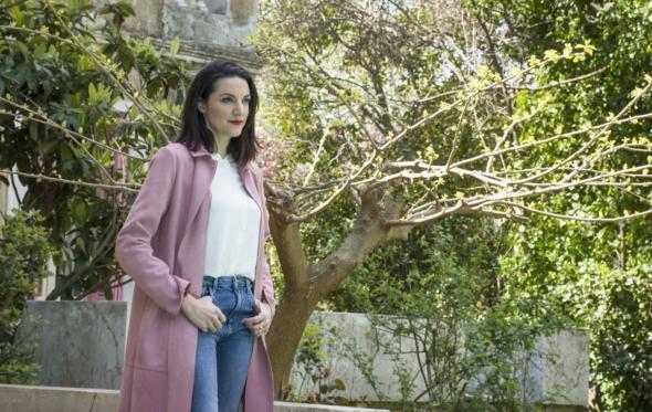 Κατερίνα Ευαγγελάτου: «Σκηνοθέτης που δεν είναι αυστηρός, δεν έχει λόγο ύπαρξης»