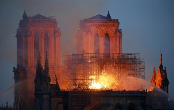Η φωτιά αυτή να μας ξυπνήσει από τον Ευρω-μηδενισμό