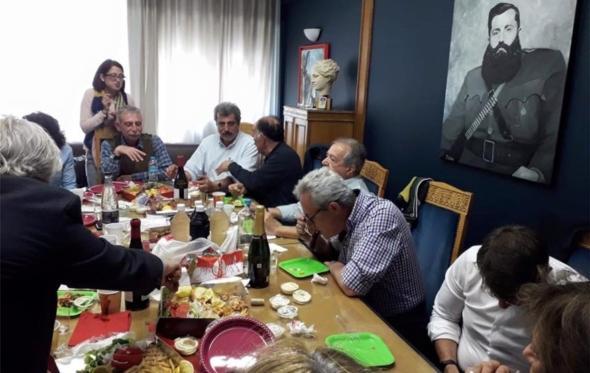 Βελουχιώτης, τζατζίκι, τσιγαρίλα: αν ανασυνθέσεις την Ελλάδα θα σου βγάλει… Πολάκη