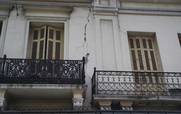 Ένας πολίτης αναρωτιέται: γιατί θα πρέπει να μας τρελαίνουν οι σεισμολόγοι;