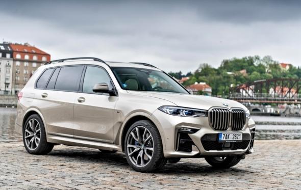BMW X7: διότι ναι, το μέγεθος συνεχίζει να μετράει