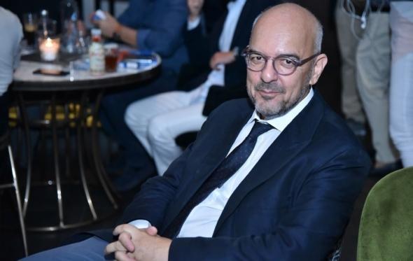 Όταν ο Babis «αποκαθήλωσε» την Libération