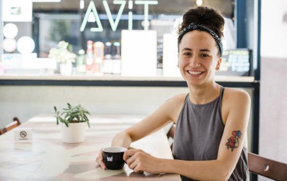 Πίνοντας διπλό espresso με την Αυγή Ιατρού στο «'ΑV IT», εκεί που μαζεύονται οι vegans (και όχι μόνο…)