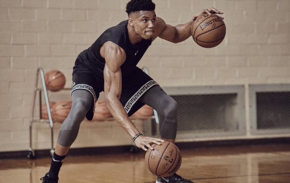 Nike Air Zoom Freak 1: το νέο παπούτσι του Giannis «προσγειώθηκε» στα παρκέ