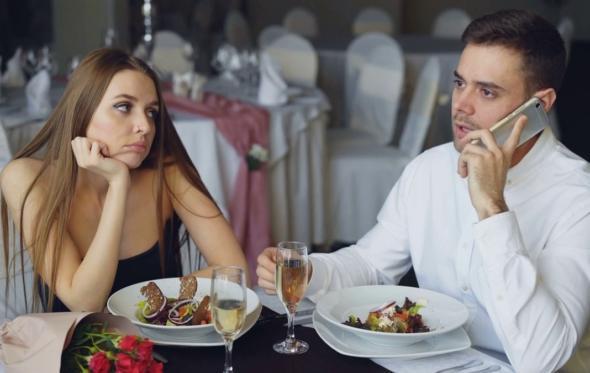 Όχι κινητό στο εστιατόριο