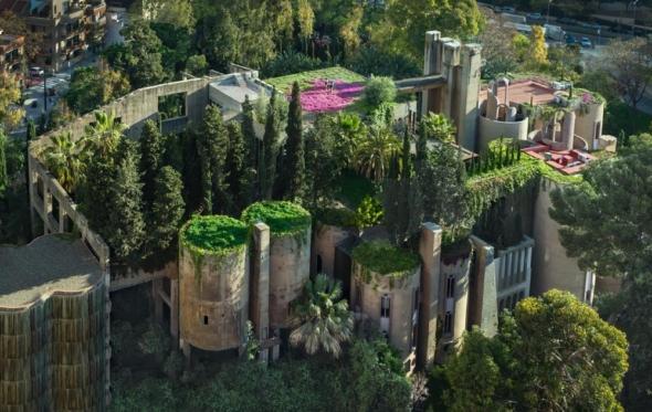 Η ινσταγκραμική αρχιτεκτονική του Ρικάρντο Μποφίλ και η φάμπρικα των μύθων