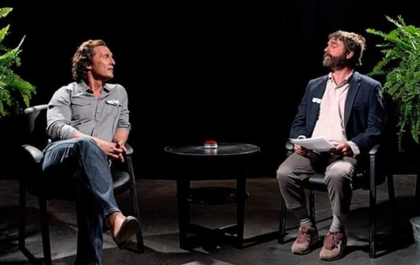 Between Two Ferns: το τρέιλερ της ταινίας του Ζακ Γαλιφιανάκη τα σπάει