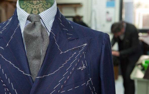 Πώς μπορεί να σταθεί το bespoke κοστούμι στην εποχή του Ιnstagram;