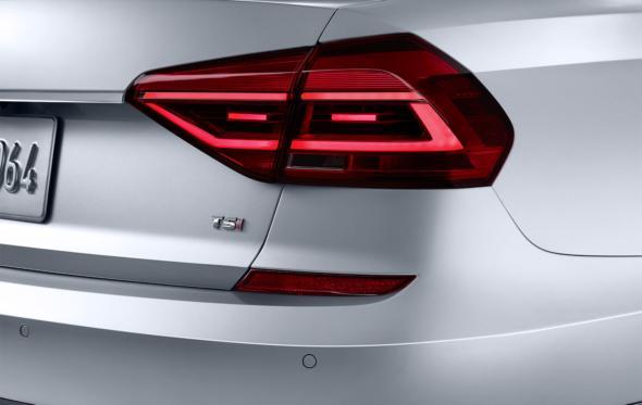 Οδηγήσαμε το νέο Volkswagen Passat: πιο premium από ποτέ