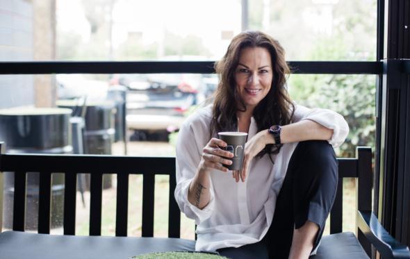 Στο Jar με την Μάνια Ντέλου, για tailor made γλυκά και εκλεκτό καφέ Taf