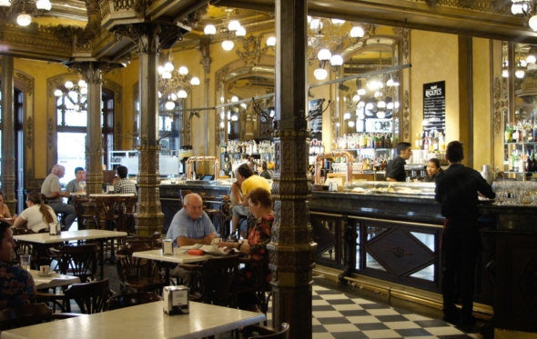 Cafe Iruña: το καμάρι του Έρνεστ και της Παμπλόνα
