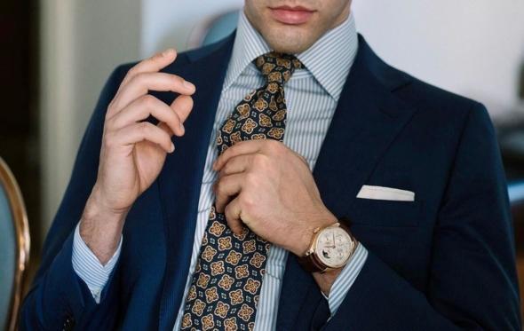 Γιατί μας αρέσει να φοράμε γραβάτα