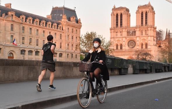 Τρέξιμο και κορονοϊός: γιατί πρέπει να διατηρούμε μεγαλύτερη απόσταση
