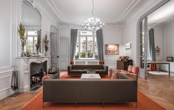 Διά χειρός ελλήνων αρχιτεκτόνων: διαμέρισμα του 19ου αιώνα στο Παρίσι έγινε σύγχρονη κατοικία