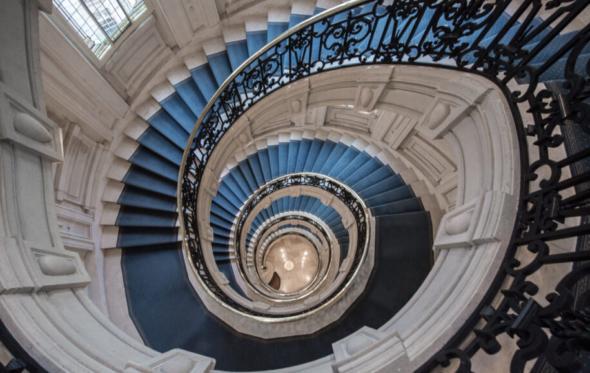 Ελληνικό χνάρι στην Champs-Élysées: ένα δικηγορικό γραφείο με χαρακτήρα και διαχρονικότητα