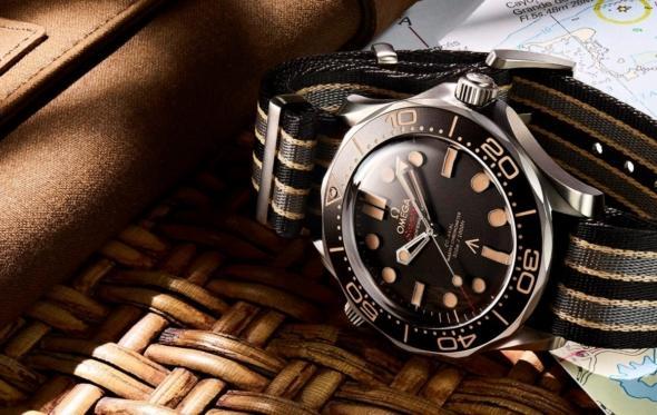 Omega Seamaster Diver: το συλλεκτικό ρολόι του Τζέιμς Μποντ καταδύεται