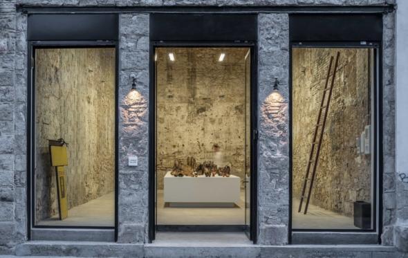 Arty χαμός στον Πειραιά: και τρίτη γκαλερί στην Πολυδεύκους