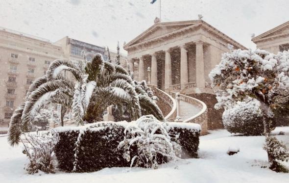 Η χιονισμένη Αθήνα, τώρα