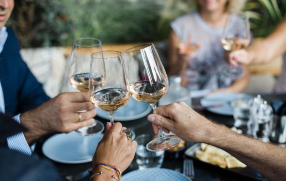 Φέρε το δικό σου κρασί στο εστιατόριο: μήπως να το σκεφτούμε;
