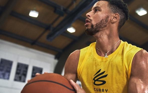 «The Curry Brand»: ο Στίβεν Κάρι αλλάζει το παιχνίδι μαζί με την Under Armour