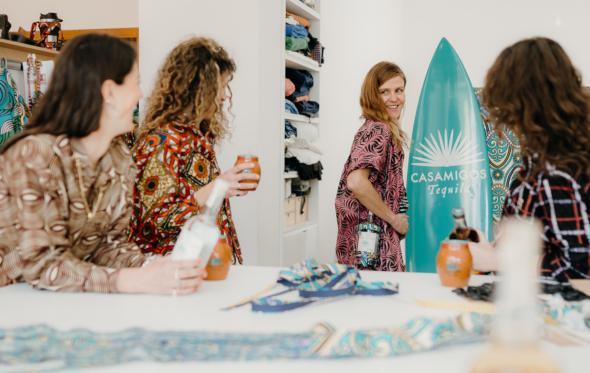 Kimalé X Casamigos Tequila: αυτό είναι το πιο στυλάτο bottle holder του καλοκαιριού