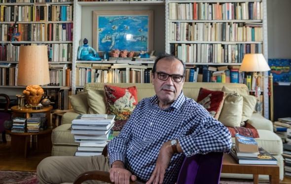 Νίκος Μπακουνάκης: «Το Παρίσι είναι όλη η συναισθηματική αγωγή μου»
