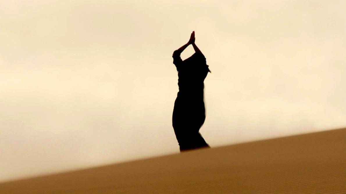 Σκηνή από τα γυρίσματα της ταινίας. «Το μήνυμα που ήθελα να μεταφέρω είναι πως ο Θεός είναι ένας. Οι θρησκείες μάς χωρίζουν, ενώ θα έπρεπε να μας ενώνουν», λέει ο σκηνοθέτης.