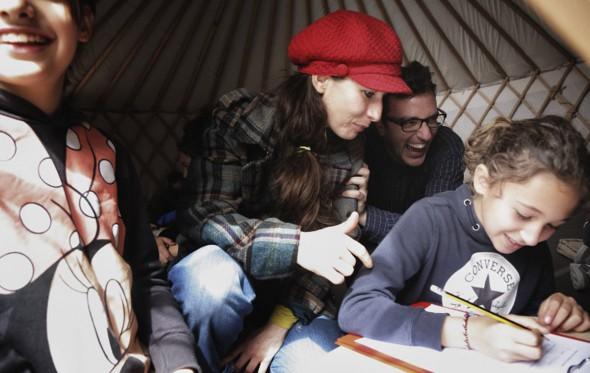 Το Caravan Project οργώνει την Ελλάδα και συλλέγει ιστορίες που αφυπνίζουν