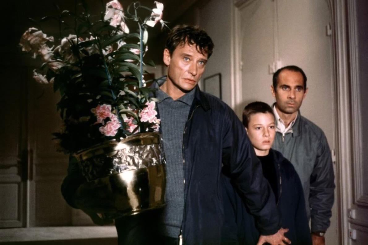 Ο Τζόνι Χαλιντέι στην ταινία «Οικογενειακή Υπόθεση», μέρος της οποίας γυρίστηκε στο σπίτι του Ιόλα.