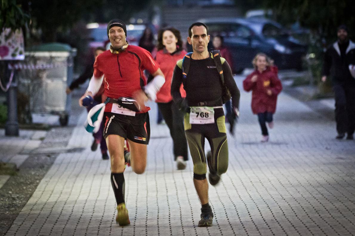 «Μετά από 107 χλμ. τρεξίματος στο Παρθένο Δάσος της Ροδόπης, σπριντ στα τελευταία μέτρα, διεκδικώντας με τον Γιάννη Κουρκουρίκη τη δεύτερη θέση, που κρίθηκε κυριολεκτικά στο νήμα».