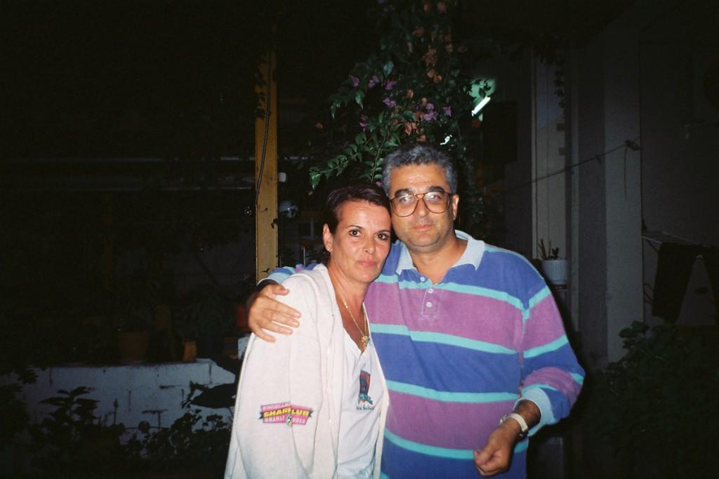 Με την Έλενα κι εγώ, στη γιορτή μου εκείνη. (Φωτογραφία Τέρρυ Ρούπακα)