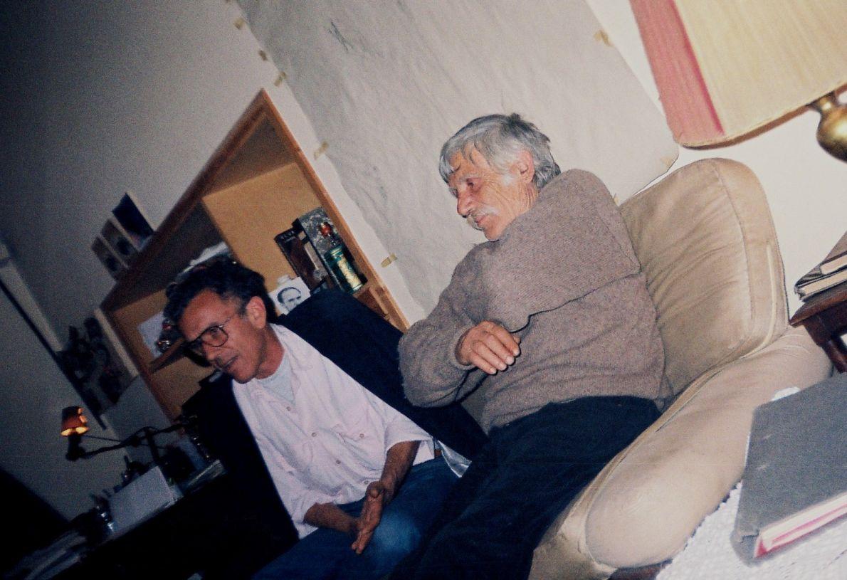 Ο Γιώργος Πανουσόπουλος με τον Αλέξη Δαμιανό τη μέρα των πρώτων rushes της ταινίας. Φωτογραφία: Σωτήρης Κακίσης