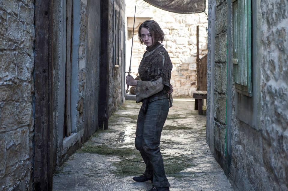Η Μέισι Γουίλιαμς (Άρια Σταρκ), αντιμέτωπη με νέους κινδύνους.