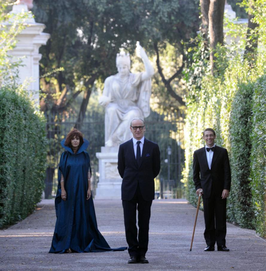 Η Σαμπρίνα Φερίλι, ο Τόνι Σερβίλο και ο Τζόρτζο Παζότι.