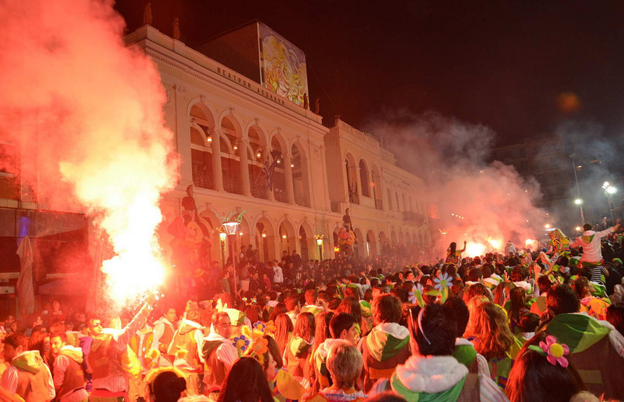 Νυχτερινή Παρέλαση. Το κυνήγι του κρυμμένου θησαυρού τα πρώτα χρόνια. Φωτογραφία: Πατρινό Καρναβάλι/Δήμος Πατρέων