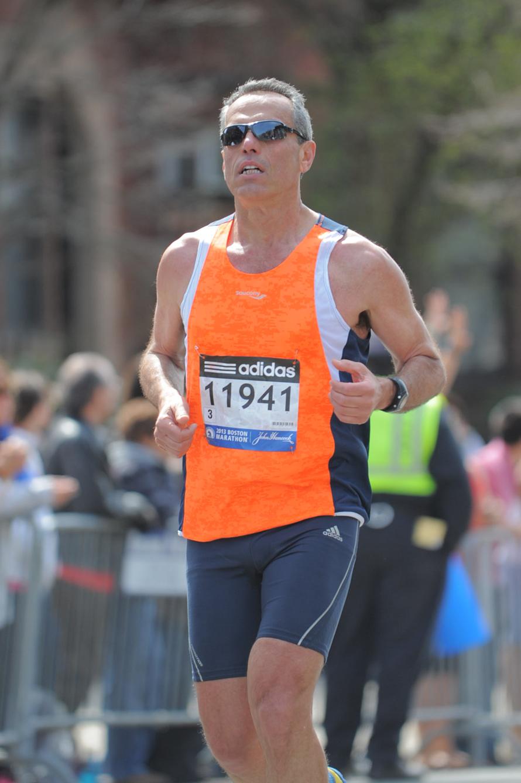 «Είμαι βαριά εθισμένος. Τόσο που πρέπει να προσέχω ώστε να μπορεί να ακολουθεί το σώμα μου τη χαρά που μου δίνει το τρέξιμο».