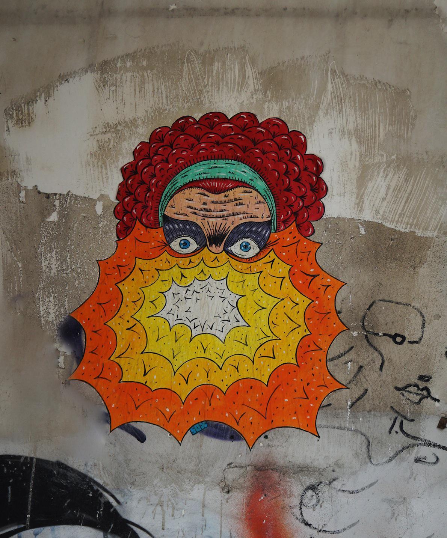 Πλατεία Αγίας Ειρήνης Artist: sox Sox από Σωκράτης, γνωστός στην street art για τα paste ups του, αφίσες ζωγραφισμένες στο χέρι.