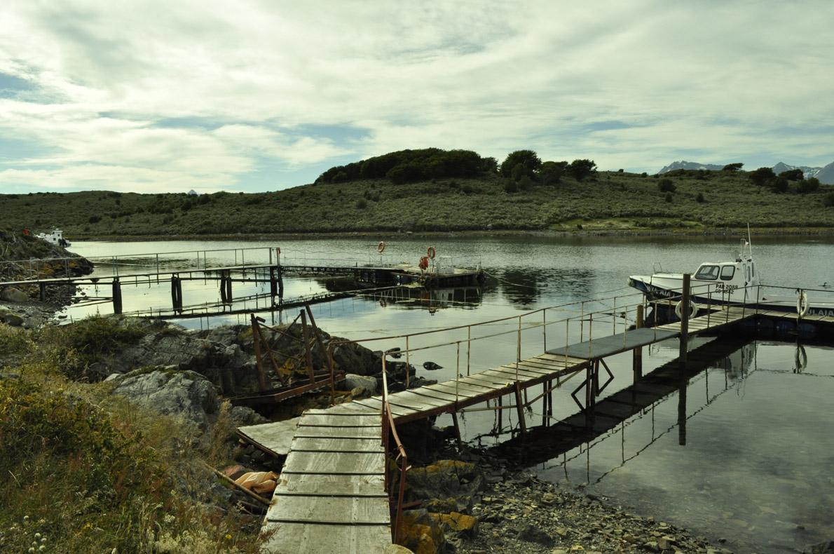 Το μικρό Puerto Navarino στην δυτική άκρη του δρόμου.