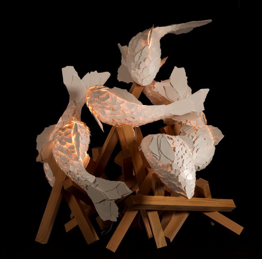 Χωρίς τίτλο (Λονδίνο Ι), 2013, μεταλλικό σύρμα, φορμάικα ColorCore και σιλικόνη, σε ξύλινο βάθρο.© Frank Gehry. Courtesy of the artist and Gagosian Gallery Photography by Josh White/JWPictures.com